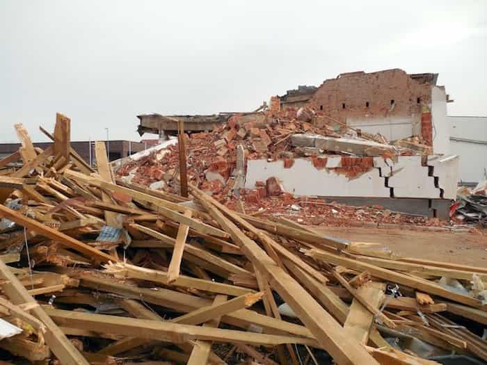 Residuos ocasionados por la demolición de una nave