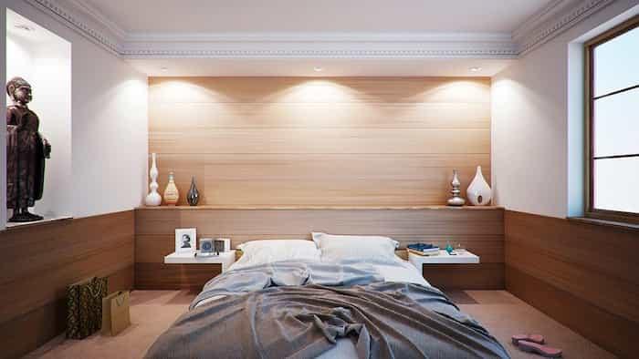 Habitación de un apartamento turístico sin desinfectar