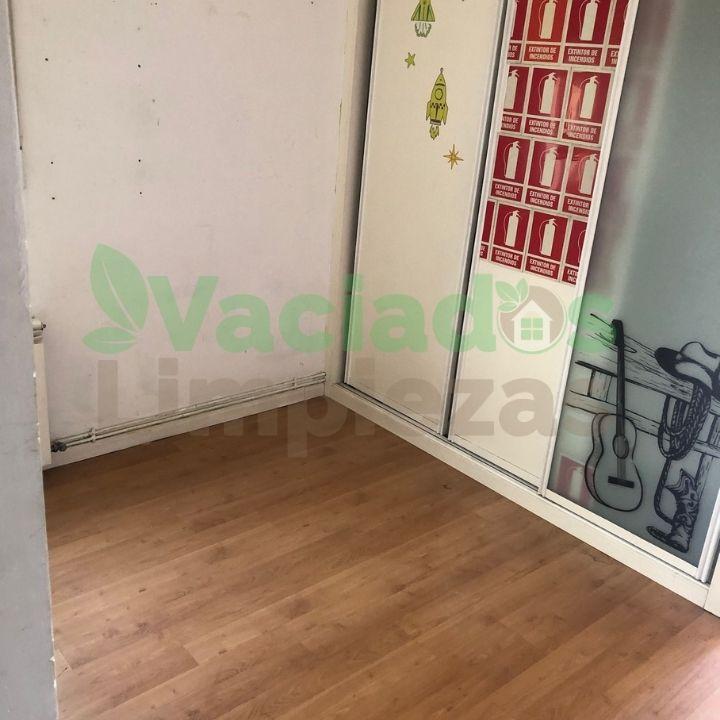 Vaciado del piso en la calle Embajadores de Madrid, habitación 1