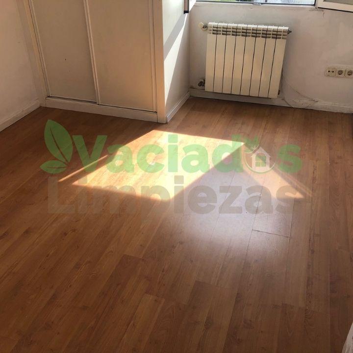 Imgen del piso después del servicio de vaciado de inmuebles prestado por vaciadosylimpiezas.com