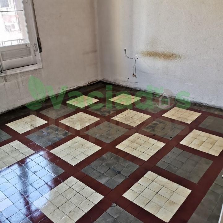 Vaciado de una vivienda antigua en Madrid centro. Imagen después del vaciado de la casa