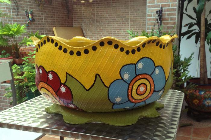 Neumático reutilizado objeto de decoración