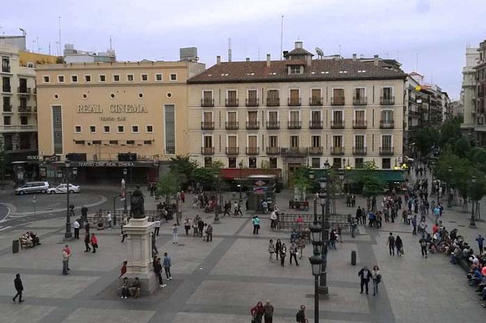Zona de la Plaza de la Opera para dormir en Madrid