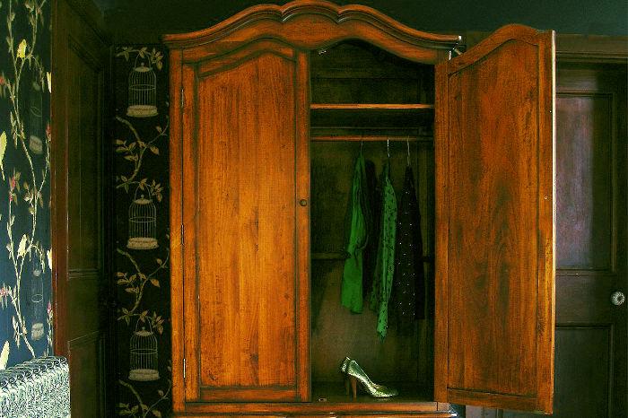 Prevenir el olor de la ropa guardada
