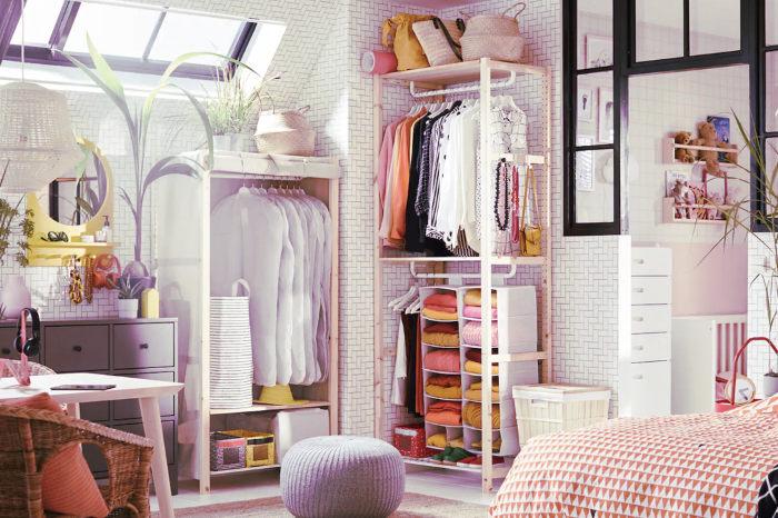 Aprovechar la parte alta del armario para almacenar ropa