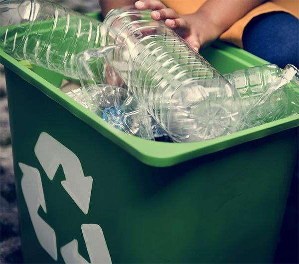 Cajas para reciclar plástico